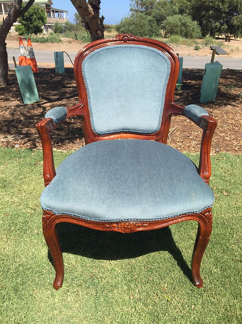 Sapphire chair with arms