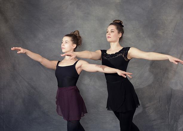 Tanzraum Rosenheim Tanzschule Modern Dance Contemporay Hiphop Kindertanz Ballett Moderner Tanz studio Teenager Jugendliche Erwachsene tanzen Kinder
