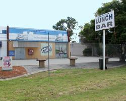 Lunch Bar 03