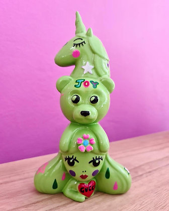 Amanda Toy - Magic totem series
