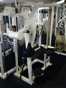 personal training, lat pulldown machine in personal training studio