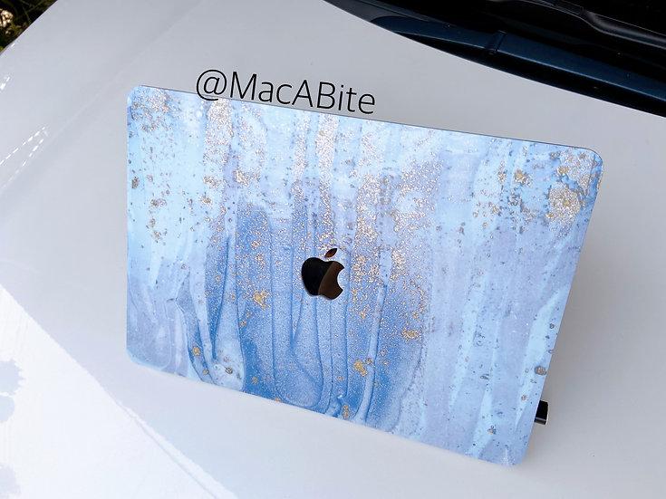 เคส Macbook ลายหินอ่อน ฟ้าทอง เจาะโลโก้