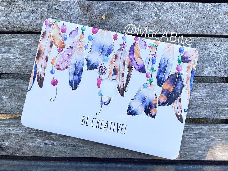 เคส Macbook ลาย Be Creative เจาะโลโก้