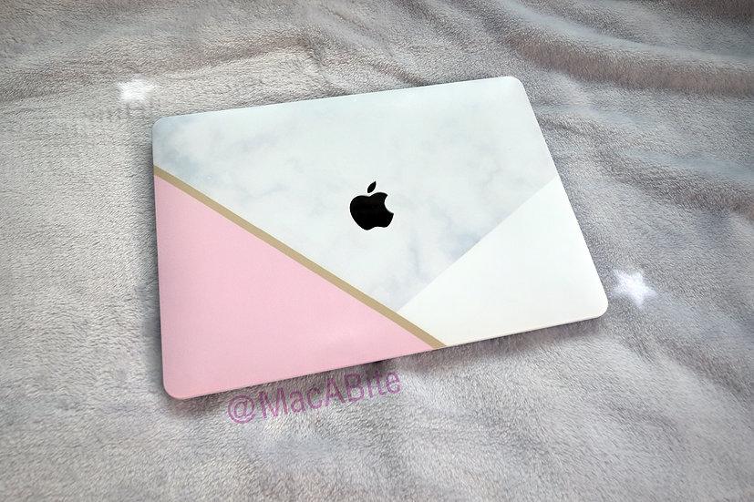 เคส Macbook ลายหินอ่อน pink&grey เจาะโลโก้