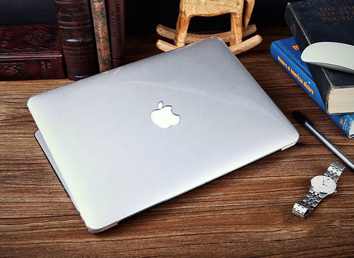 เคส Macbook สีใส ผิวมัน เจาะโลโก้