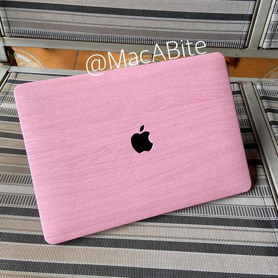 เคส Macbook ลายไม้ สี Pink wood grain  เจาะโลโก้