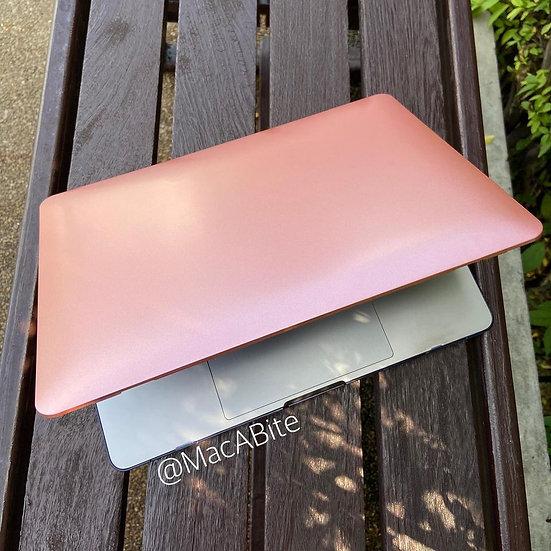 เคส Macbook สีชมพูเมทาลิก ไม่เจาะโลโก้