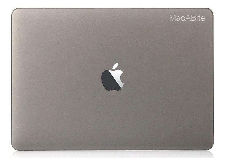 เคส Macbook สีเทา ผิวด้าน เจาะโลโก้