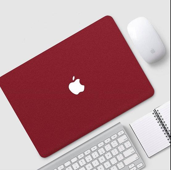 เคส Macbook สีแดงเลือดหมู เนื้อพ่นทราย เจาะโลโก้