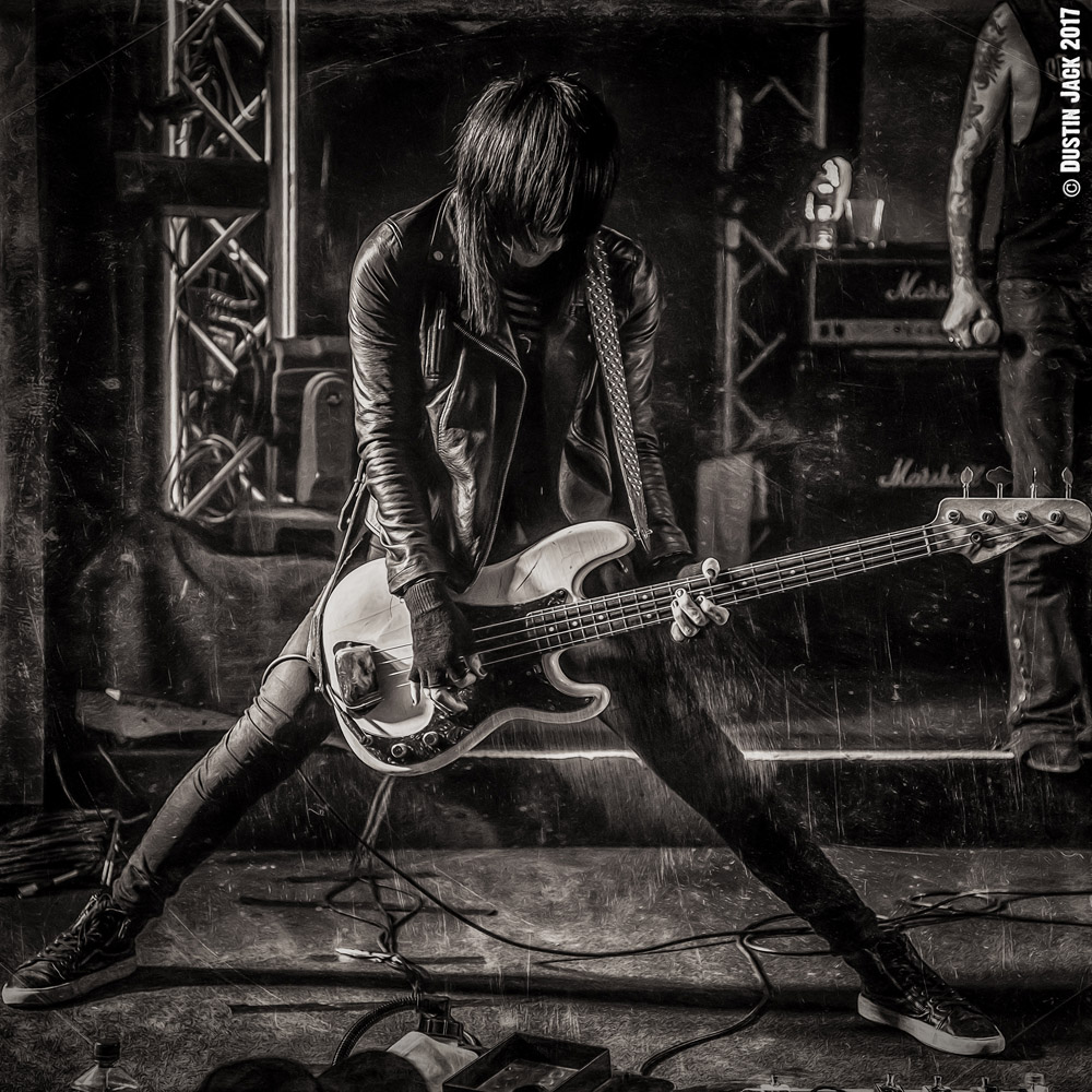 © Dustin Jack