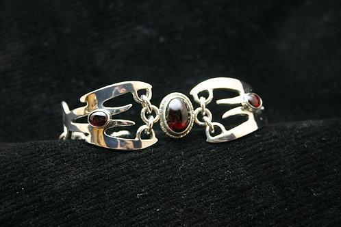 Crossed Axis Bracelet with stones