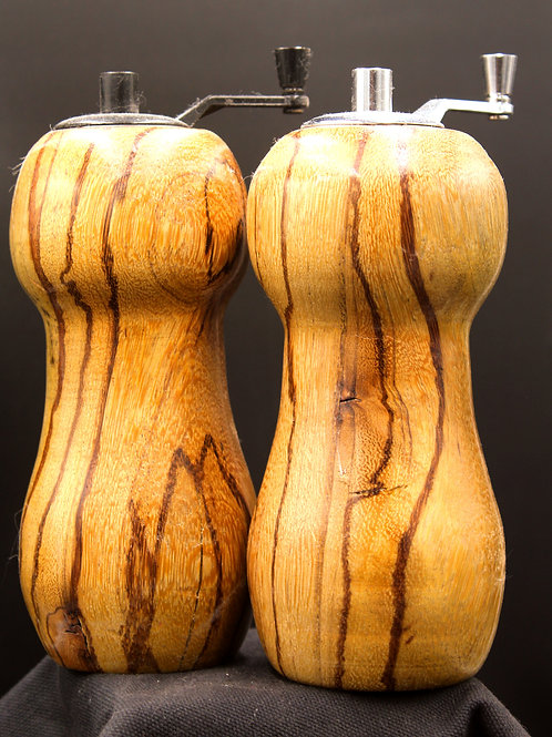 6 Inch Matched Set Pepper And Salt Mills