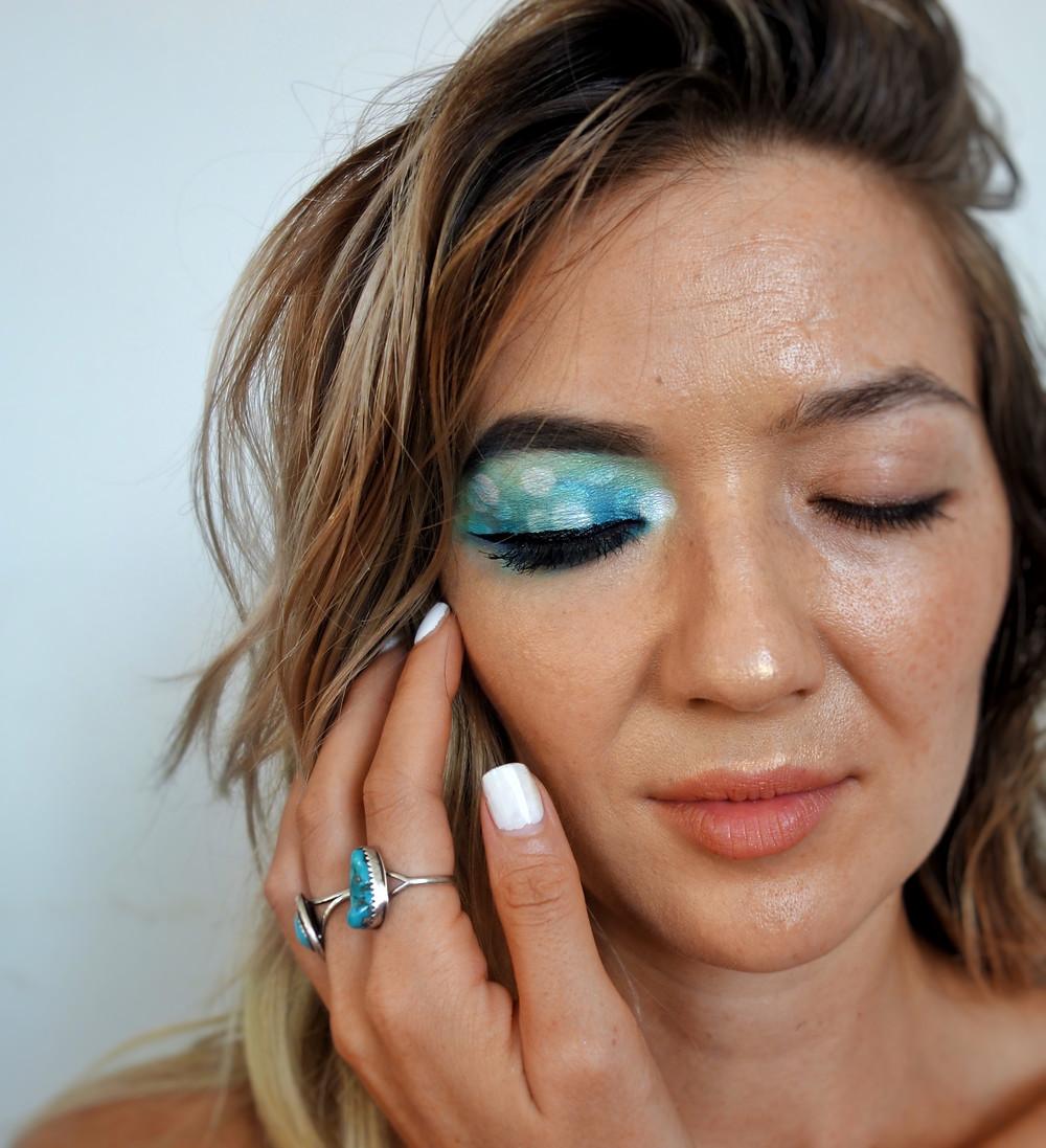Makeup bokeh optical illusion eye tutorial kikibabemagic.com #makeuptutorial