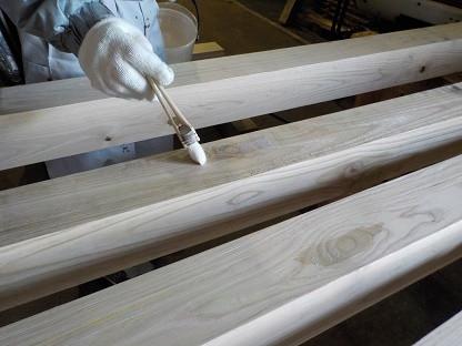 板塀の柱に液体ガラス加工