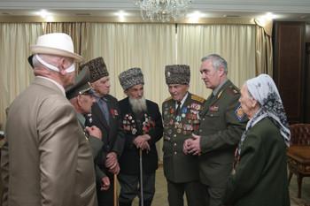 Мурат Зязиков поздравил ветеранов Великой Отечественной войны и жителей Ингушетии с Днем Победы.