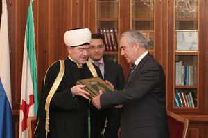"Мурат Зязиков поздравил всех мусульман со священным праздником ""Мавлид ан-Наби""."