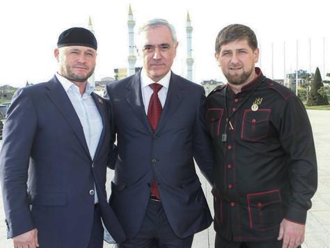 Рамзан Ахматович Кадыров поздравил с днем рождения Мурата Магометовича Зязикова