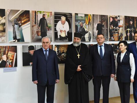 В Брянском городском выставочном зале открылась фотовыставка «Наш Афон»