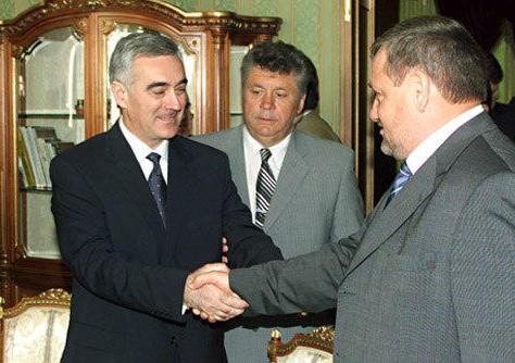 В Грозном прошло торжественное собрание, посвященное 16-ой годовщине Конституции Чеченской Республик