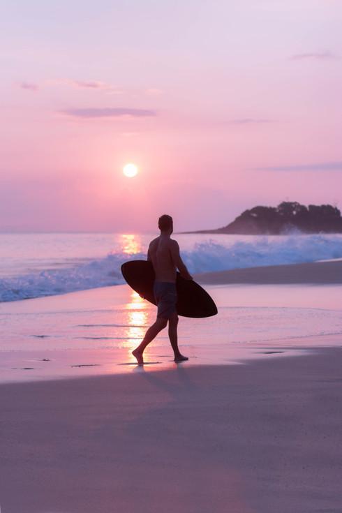 skylar marks photographer photography surf beach sunset maui hawaii makena big beach quincy dein
