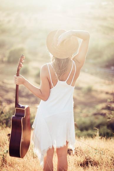 skylar marks photographer photography maui hawaii music guitar portrait fashion