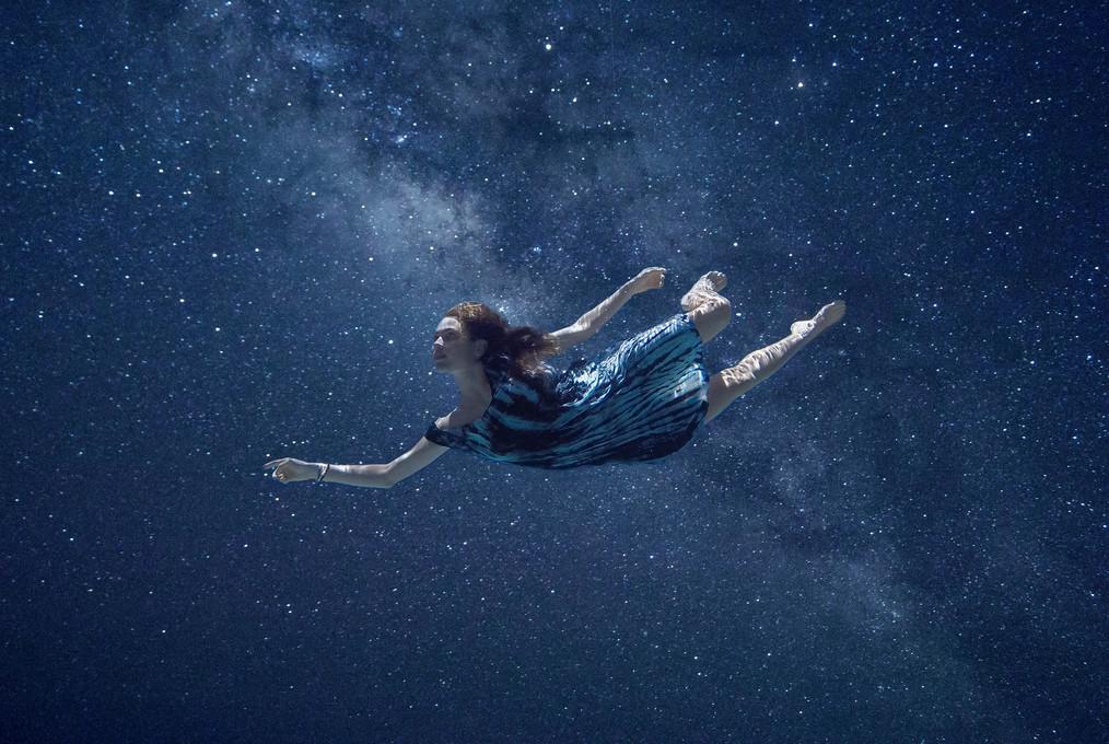 skylar marks photographer go pro photography portrait underwater space photoshop composite fashion dance maui hawaii