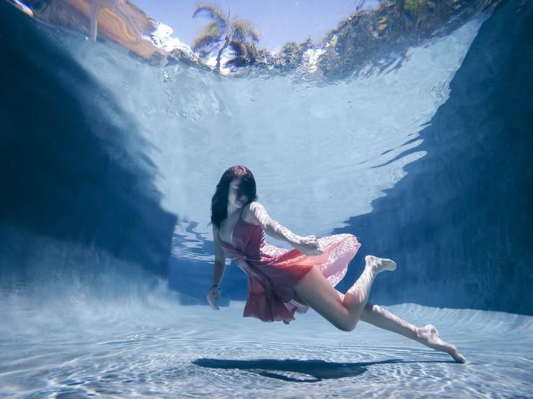 skylar marks photographer go pro underwater fashion photography hawaii maui portrait
