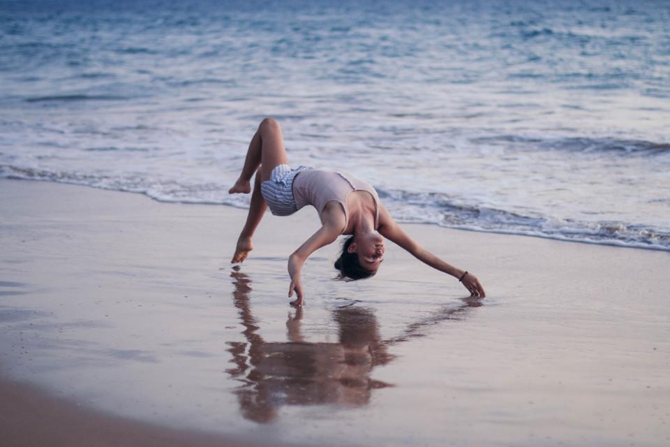 skylar marks levitation photography model beach stars maui hawaii dance