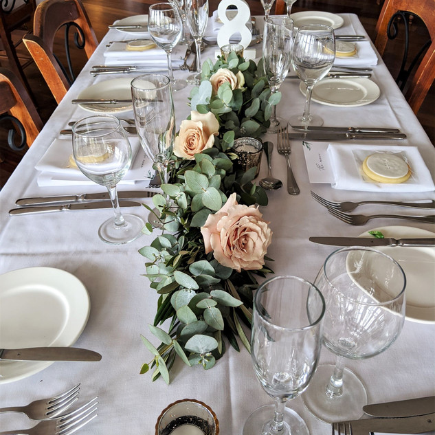Blue Mountains Wedding Flowers  Table Ru