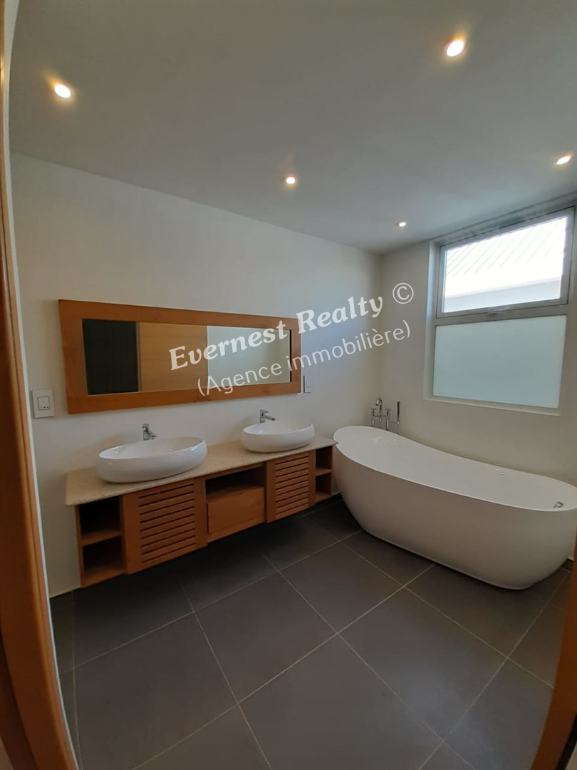 Bathroom - Real Estate Agency Mauritius