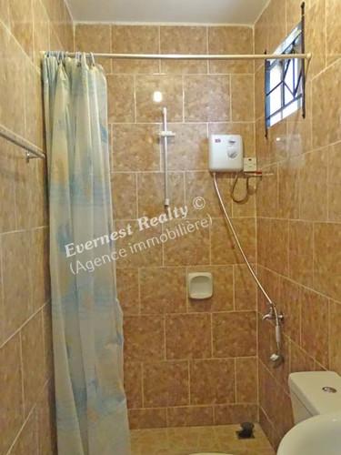 Bathroom 1 - Real Estate Agency Mauritius