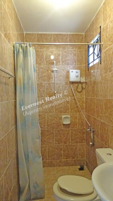 Bathroom 1 - Real Estate Agency Mauritius