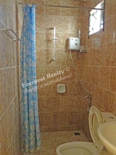 Bathroom 2 - Real Estate Agency Mauritius