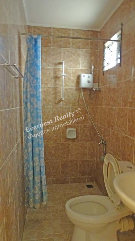 Bathroom 2 - Real Estate Agency Mauritius
