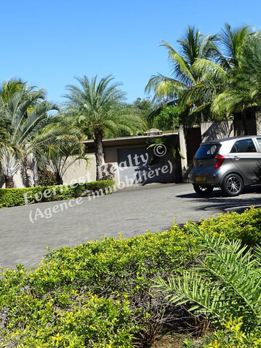 Visitor's parking- Real Estate Agency Mauritius