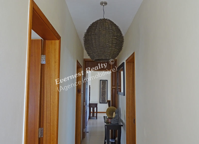 Corridor - Real Estate Agency Mauritius