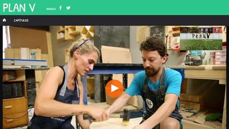 Virginia de María aprendiendo carpintería con nosotros.