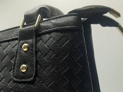 Borsa nera con dettagli a borchie