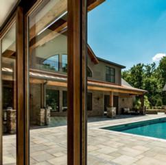 swimming-pool-3615621_1280.jpg