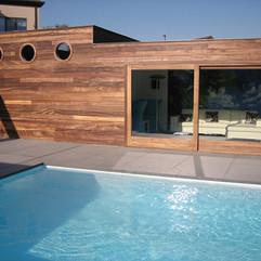 swimming-pool-2359638_1280.jpg