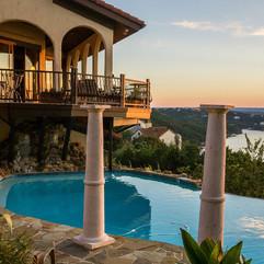 swimming-pool-1832830_1280.jpg
