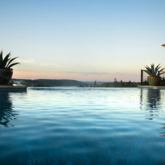 swimming-pool-1832825_1280.jpg