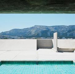 swimming-pool-389375_1280.jpg