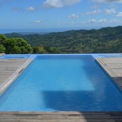 pool-1424291_1280.jpg