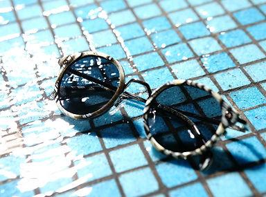 glasses_sunglasses_swimming_pool_water_s