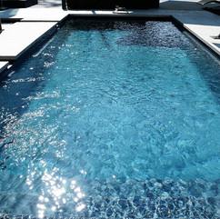 swimming-pool-2235890_1280.jpg