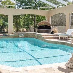 pool-4094230_1280.jpg