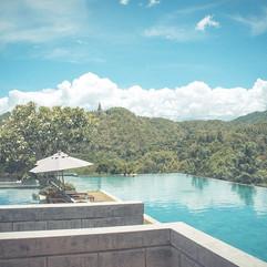 swimming-pool-828722_1280.jpg