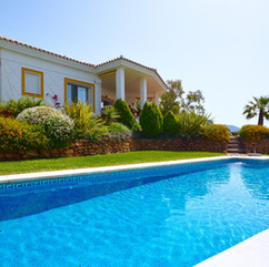 villa-2366288_1280.jpg