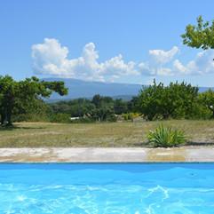 swimming-pool-369228_1280.jpg